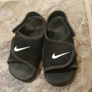 Baby Nike sandals size 7